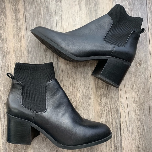 c4f58763655 Steve Madden Erika Black Leather Block Heel Bootie.  M 5be3c654a5d7c69eabdccf72